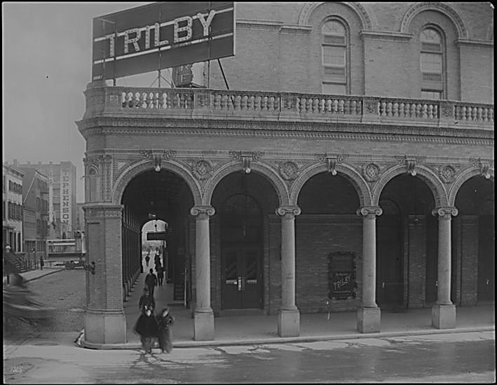 Trilby at the Garden Theatre in 1895