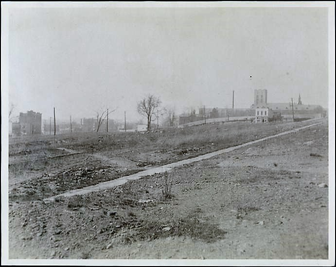 Here's the intersection of Oak Point Avenue and Barretto Street in 1910, just before developers took over. Museum of the City of New York Collections
